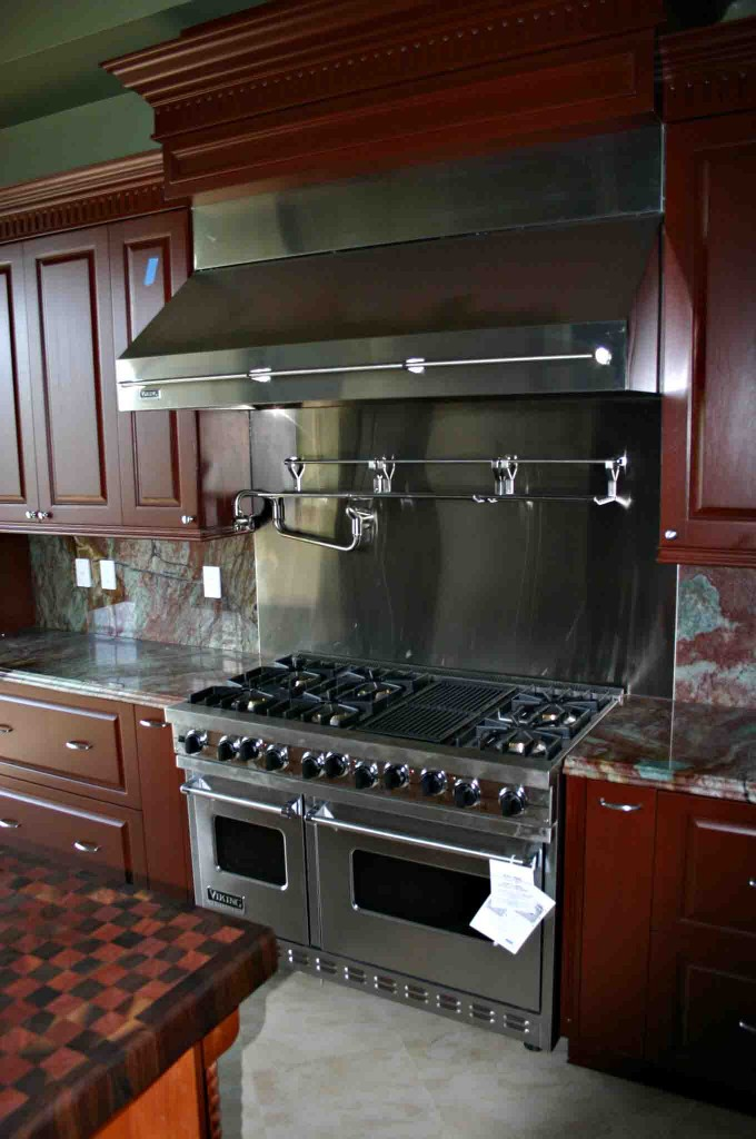 New Kitchen and professional appliances
